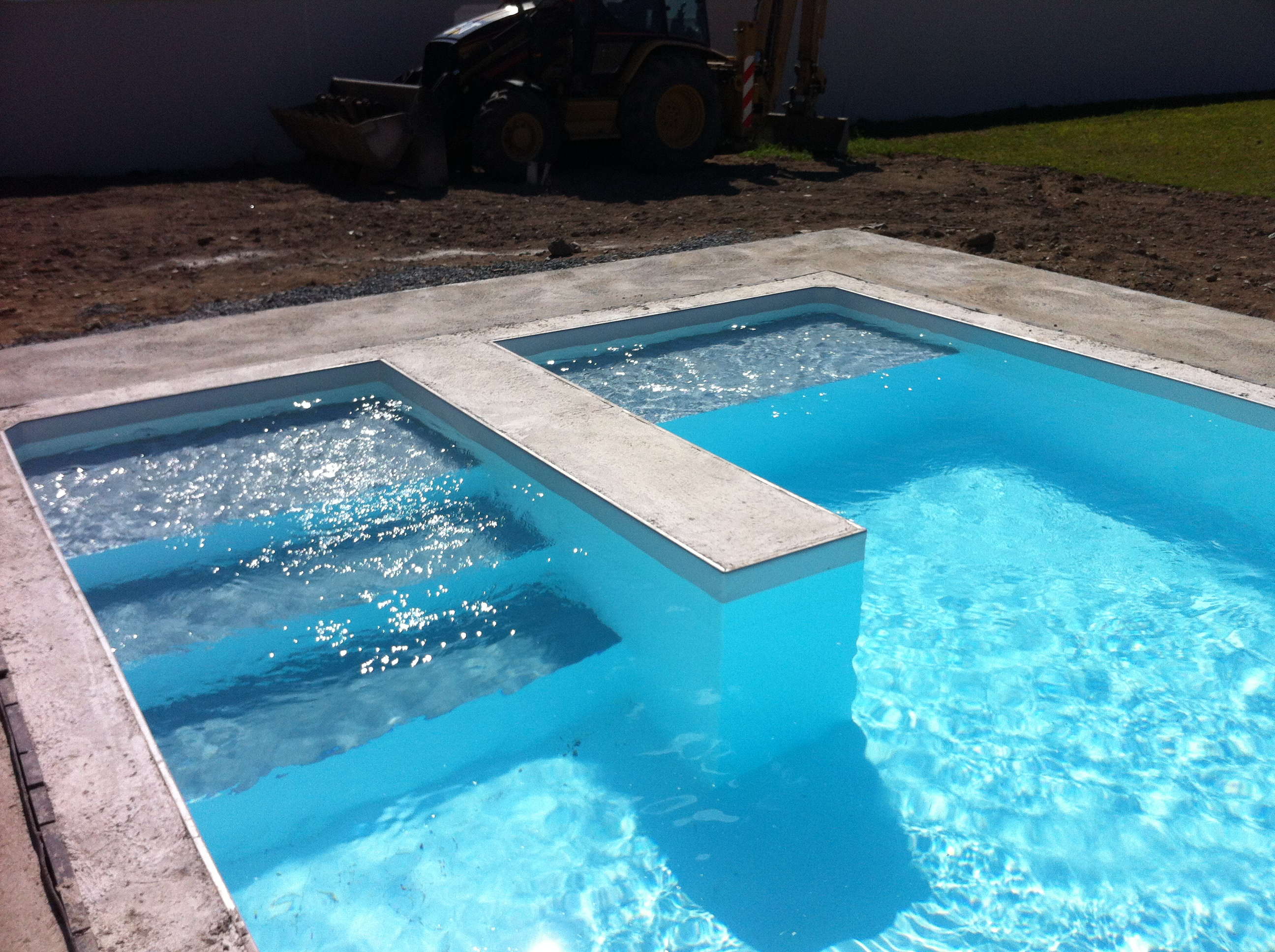 R alisez votre piscine seul ou avec l 39 assistance de notre for Piscine beton banche